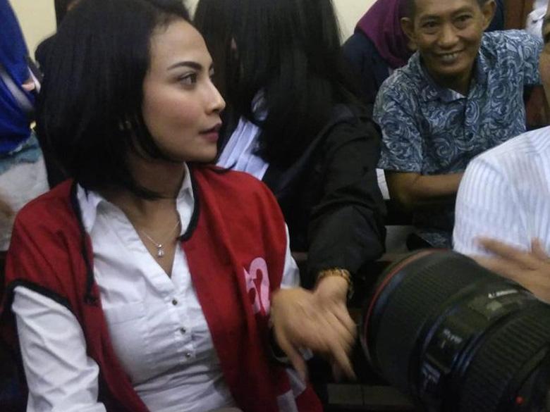 Photo of Dwi Andhika Sambut Kebebasan Vanessa Angel