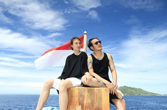 artis indonesia - nadine & dimas